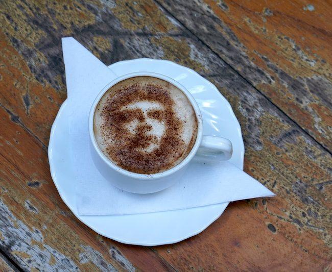havanna kuba cubano cappuccino latte art che guevara